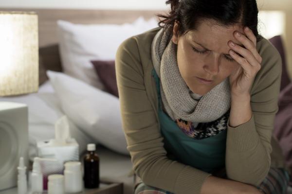 Az egyik oldalon megszabadulhatunk a szénanátha tünetektől, de mit érünk vele, ha helyette a gyógyszerek mellékhatásaként fáradékonyság, levertség, fejfájás… stb. várható
